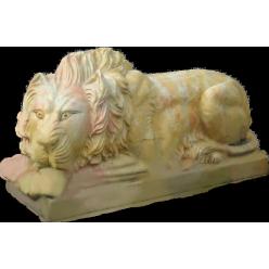 Лев лежащий, желтый мрамор