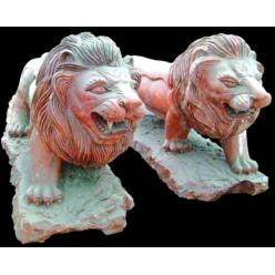 Лев идущий, Красный мрамор