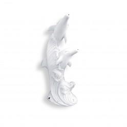 Статуя Два дельфина