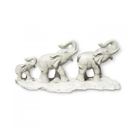 Статуя Три Слона